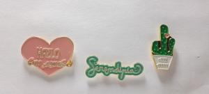 pins promocionales serendipia