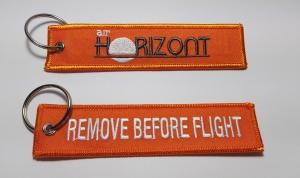 """llaveros bordados tela """"remove before flight"""""""