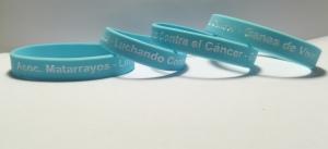 pulseras-solidarias-contra-el-cancer-personalizadas